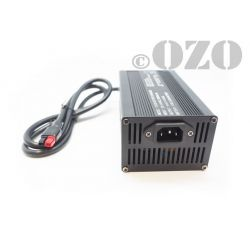 Fast battery charger LiFePO4 24V 10A